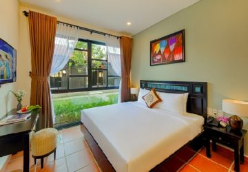 Hoi An Town deluxe king room (1)
