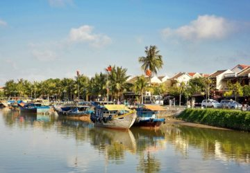 Hoi An in the side of Thu Bon river