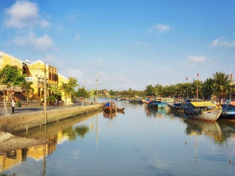 Morning in Hoi An's river